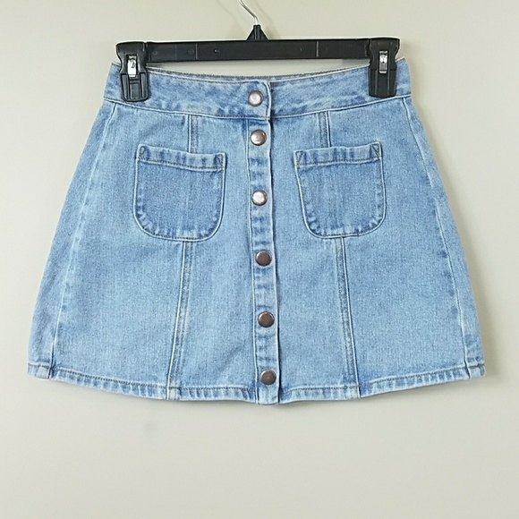 0946b1578f Brandy Melville Dresses & Skirts - Brandy Melville Snap Front Light Wash  Denim Skirt
